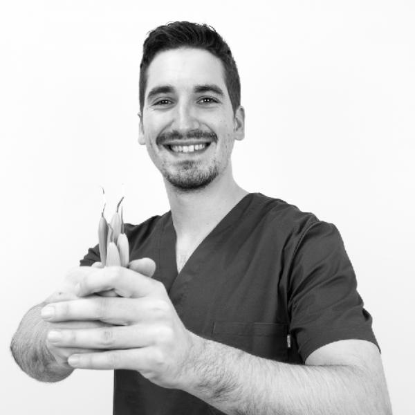 Dr. Pau Grau Polo